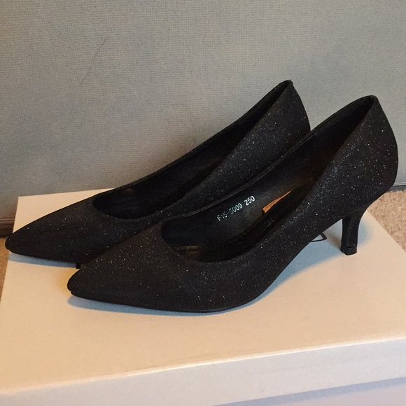 Shoes | Black Midi Heels | Poshmark